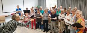 Mobiele piano voor optredens in Zwolse verzorgingshuizen
